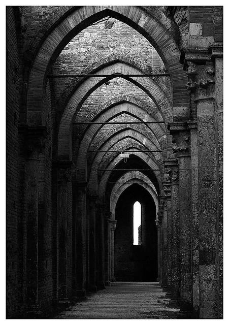 Una finestra vecchia chiesa gotica flickr photo sharing for Finestra vecchia