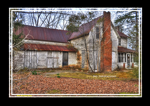 old house rural photography photo nikon rust tennessee rusty pic oldbuildings oldhouse faded photograph weathered thesouth peelingpaint hdr oldbuilding ruraldecay decaying tinroof wondersofoxidation rundown cumberlandplateau ruralamerica 2011 photomatix putnamcounty cookevilletn bracketed rustystuff middletennessee vintagebuilding ruraltennessee hdrphotomatix ruralview hdrimaging retrobuilding ruralbuilding d5000 ibeauty hdraddicted structuresofthesouth southernphotography screamofthephotographer hdrvillage jlrphotography photographyforgod worldhdr hdrrighthererightnow engineerswithcameras hdrworlds jlramsaurphotography cookevegas