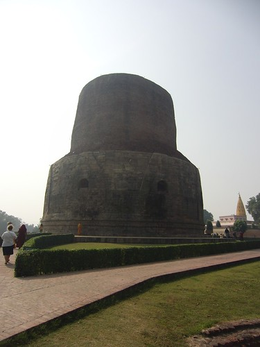 travel india stupa buddhist pilgrimage sarnath dhamekhstupa