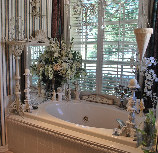 Romantic bathroom decor flickr photo sharing for Small romantic bathroom ideas