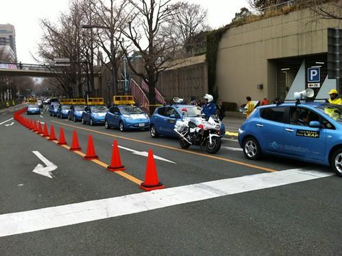 横浜国際女子マラソン 先導車や審判車を日産リーフがつとめます
