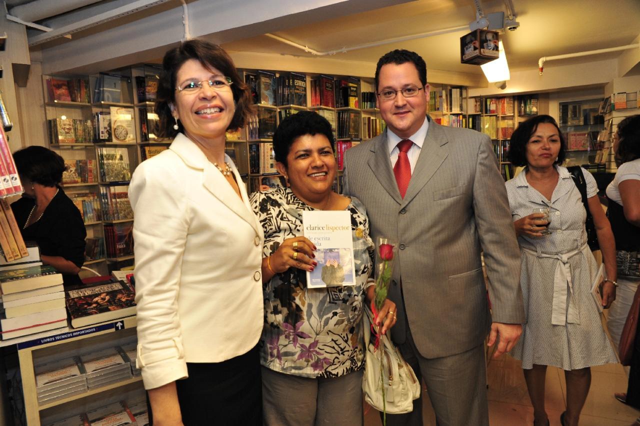 OAB-CE realiza homenagem às advogadas 17.03.11