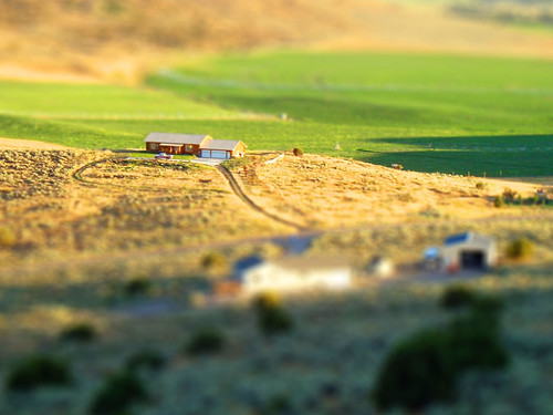 road sunset house mountain field grass farmhouse truck model afternoon farm hill fake idaho tiny crops rexburg tiltshift rmountain pseudotiltshift