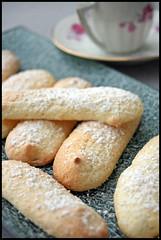 Biscuits à la cuillère (ladyfingers)