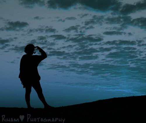 sunset nature silhouette clouds sunrise jump peace joy شمس غروب سلام غيوم فرح شروق طبيعه قفز سيلويت