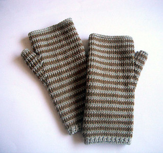 Crafting 365 Day 257: fawn mitts