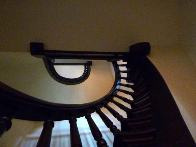 P1080721-2011-03-17-Central-Presbyterian-Church-Phoenix-Flies-Circular-Stair