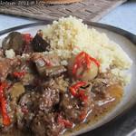 Würzige Rindfleisch-und-Auberginen-Tagine mit weichgekochtem Knoblauch
