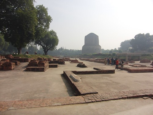travel india pilgrimage buddhist sarnath stupa dhamekhstupa