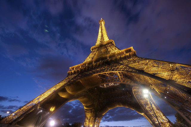 Under the Eiffel por Trey Ratcliff