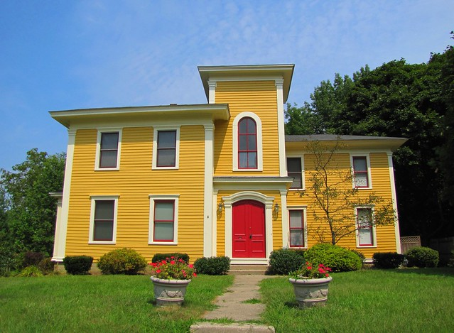Yellow House with Red Door 500 x 367 · 149 kB · jpeg