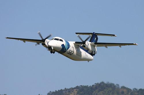 Aircraft (DH8B) silhouette