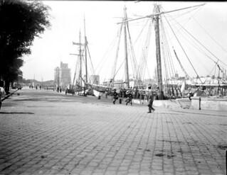 Sur les quais, voiliers , La Rochelle, 21 septembre 1903