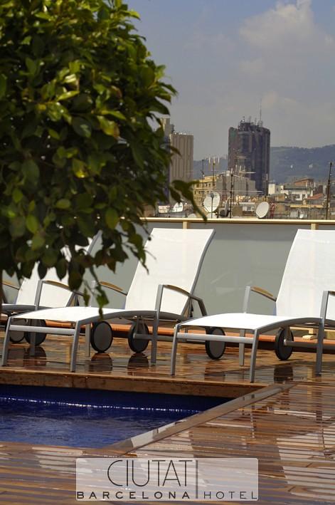 Piscina3 - Hotel Ciutat Barcelona