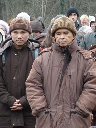 Thay, marche méditative, retraite 2011