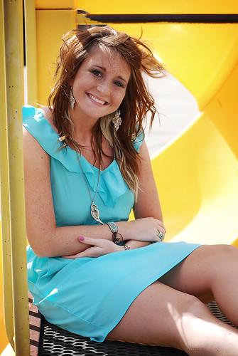 [フリー画像素材] 人物, 女性, 笑顔・スマイル, ワンピース・ドレス, アメリカ人 ID:201112191400