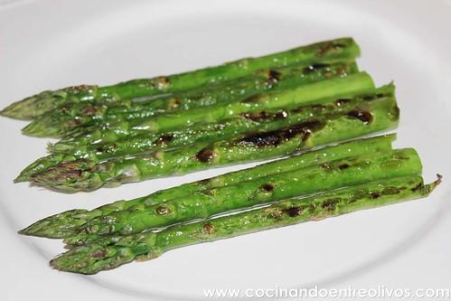 Espárragos verdes con vinagreta de mostaza www.cocinandoentreolivos (13)