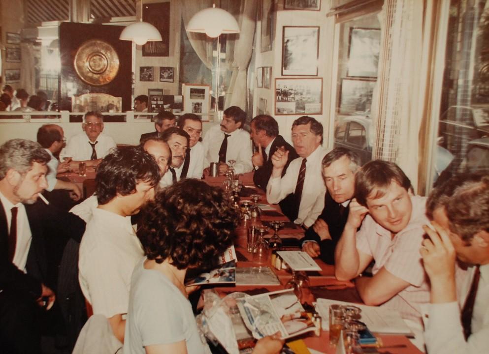 Reunion de direction du SCUF en 1990. Jean-François Agaesse se trouve à droite entre le Président du SCUF Rugby Bruno Martin-Neuville et Jean-Michel Hamet