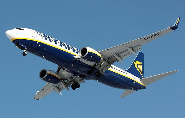 Boeing 737-8AS, Ryanair, Poznań - Ławica (POZ / EPPO) 24.02.11
