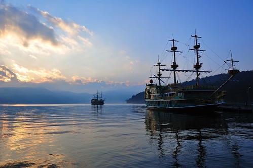 sunset sky cloud mountain lake nature japan see ship fuji mount pirate sight hakone ashi