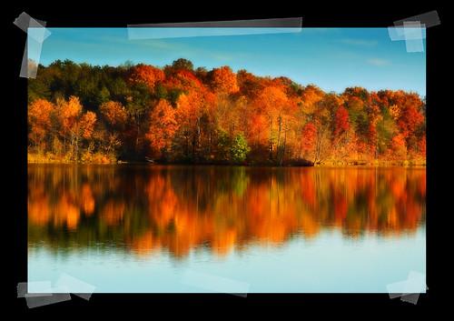 autumn fall fallfoliage clevelandmetroparks hinckleyreservation hinckleylake