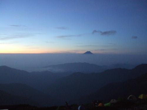 北岳山荘からの富士山夜明け