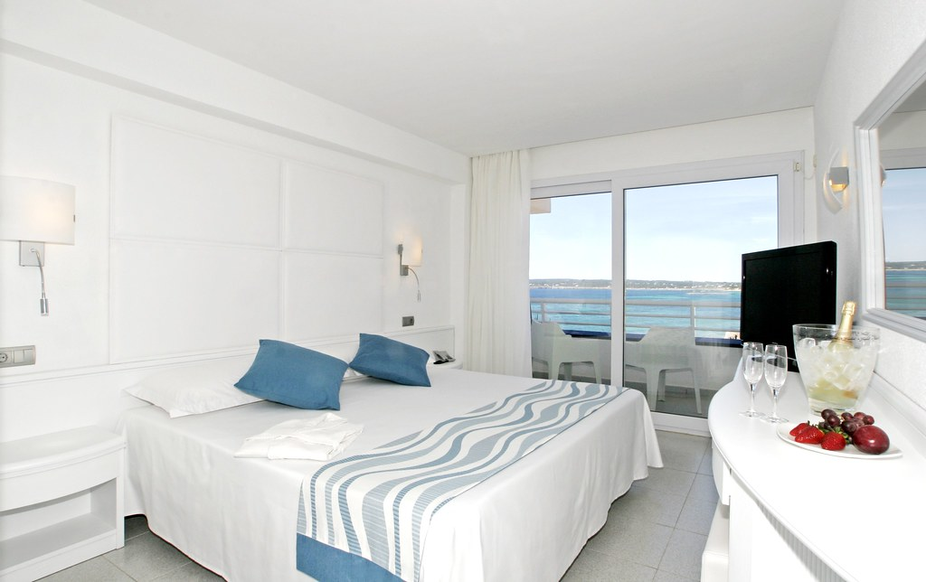 Insotel Club Formentera Playa 4*. Lux Superior Double Sea View
