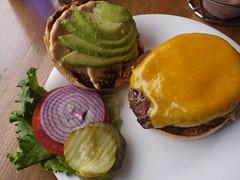 土, 2011-04-02 12:40 - 67 Burger オアハカバーガー