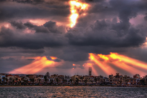 light sunset sea sky clouds greece crete rays rethymno κρήτη ελλάδα σύννεφα θάλασσα δύση ρέθυμνο ουρανόσ φωσ ακτίνεσ
