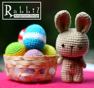 Rabbiz's Easter Bunny & Eggs