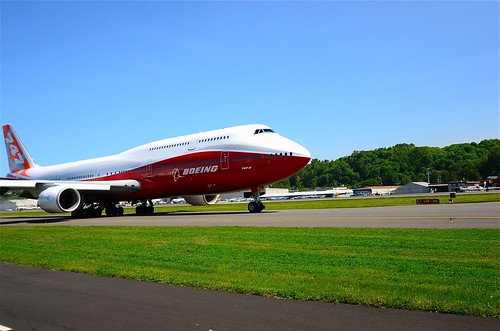 Boeing 747-8i N6067E taxiing for RWY 31L  bravo