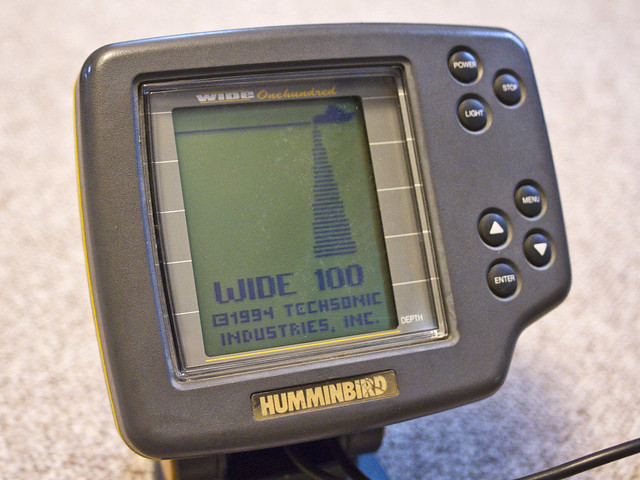 Humminbird wide one hundred 100 depth finder fishfinder ebay for How to read a humminbird fish finder