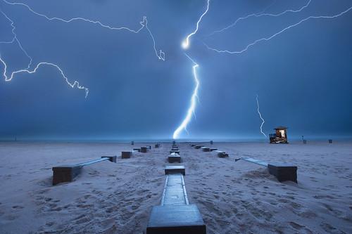 storm gulfofmexico tampa florida lightning thunder lightningbolt clearwater lifeguardtower lightningrod multipleexposures lifeguardstation