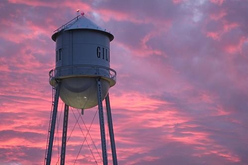 pink sunset red arizona sky tower water clouds photo scenery colorful downtown cloudy watertower az landmark structure cielo gilbert striking heritagedistrict southeastvalley spectacularsunset townofgilbert mygearandme mygearandmepremium canoneost2i