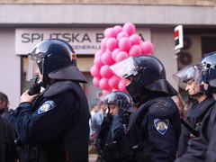 violence(0.0), riot(0.0), demonstration(0.0), protest(0.0), military(0.0), police(1.0), official(1.0), police officer(1.0), person(1.0),