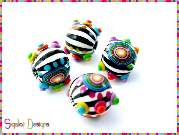 """""""Funky Zebra""""- round beads"""