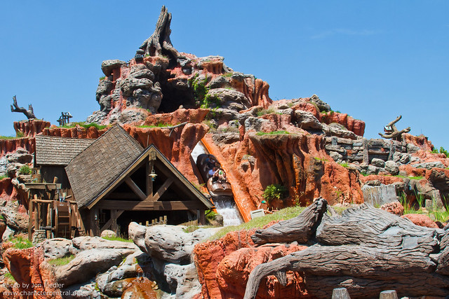 WDW April 2011 - Wandering through Frontierland