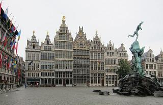 Image de Brabo. geotagged belgium antwerp brabo antwerpen grotemarkt anvers guildhouses brabofountain druon jeflambeaux geo:lat=5122115163795987 geo:lon=4399520607305476
