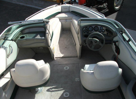 Yacht Images: CROWNLINE 202 1998. United Kingdom Presented By yachting.vg