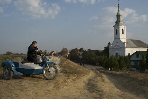 Motorral a templomba - Morgen