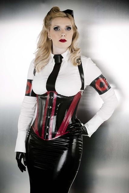 Mistress Ezada Sinn 3