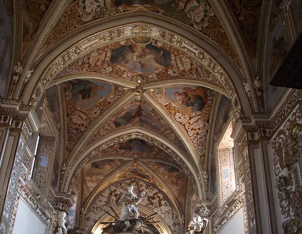 Chiesa con volte a crociera e archi ogivali  Explore antopr…  Flickr - Photo Sharing!