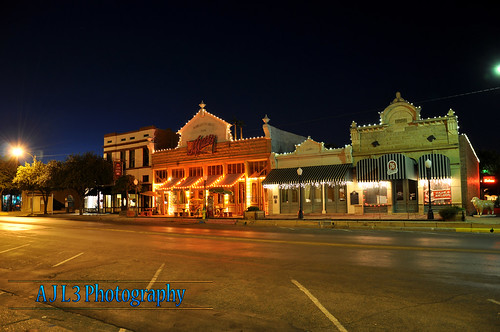 road night lights evening downtown texas historic sanangelo conchostreet misshatties jwilde ajl3
