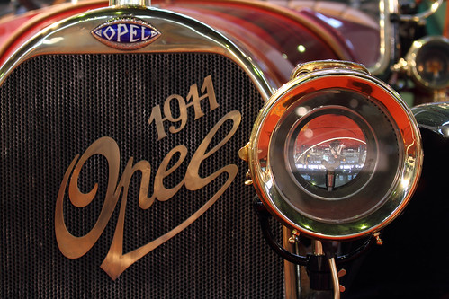 Opel Torpedo headlight and grille