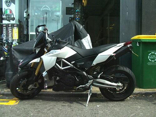 Share your motorbike drillz here