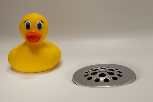 How to fix your bathtub's drain (blocked) » DIY Guides