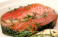 salmon-like fish(0.0), fish(0.0), salmon(1.0), fish(1.0), garnish(1.0), lox(1.0), food(1.0), dish(1.0), cuisine(1.0), smoked salmon(1.0),