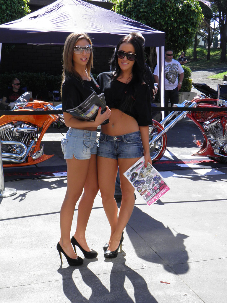 Thai Enduro Tours - Pictures Of Thai Show Girls At A ... |Custom Motorcycle Show Models