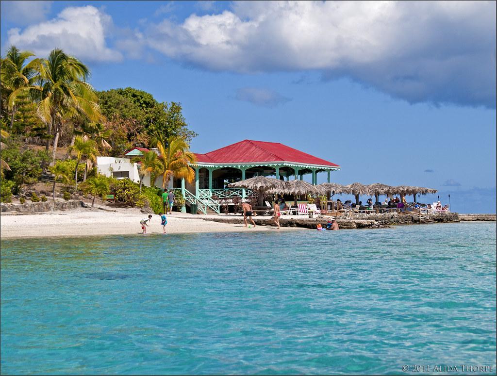 Maria Cay beach