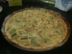 pie(0.0), pastry(0.0), tarte flambã©e(0.0), banitsa(0.0), zwiebelkuchen(0.0), dessert(0.0), pot pie(1.0), baked goods(1.0), food(1.0), dish(1.0), cuisine(1.0), quiche(1.0),